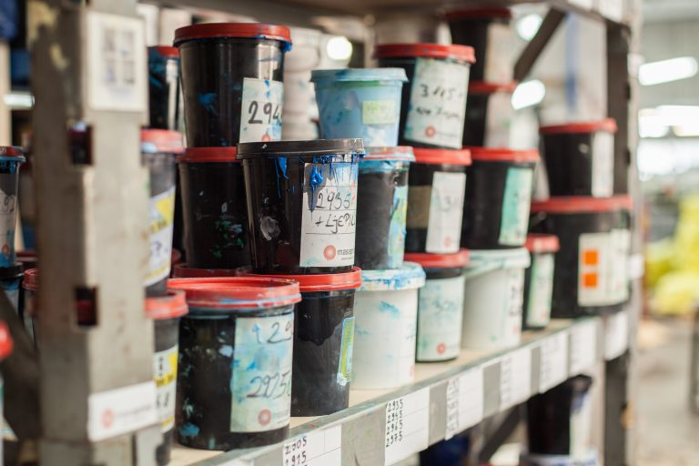 THE DIFFERENCE BETWEEN WATER-BASED AND PLASTISOL INKS